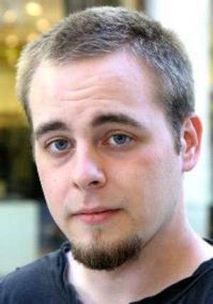 Tom Isberg, 20 år, Östersund:– Nej, det är inte riktigt min grej. Jag vill helst stanna hemma i Sverige. Det skulle vara jobbigt att lämna alla mina vänner, och min familj.