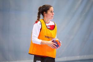 Högersexan menar att hon under flera säsonger funderat på att lägga av med handbollen.