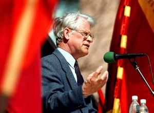 Tidigare statsminister. När Socialdemokraterna tog över regeringsmakten 1994 fick Ingvar Carlsson (bilden) och Göran Persson börja sanera landets ekonomi. Det skriver Hans Karlsson i sin genomgång av svensk politik de senaste 30 åren. Arkivbild: Per knutsson