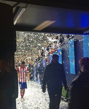 På derbytemat: Tunga steg efter derbyt mellan Atletico Madrid–Real Madrid i Champions League-finalen i fjol. En gammal bild men den säger så mycket.
