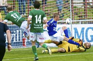 Måltorkan är över. Dragan Kapcevic petar in Brages 2-1 reducering mot Sundsvall.