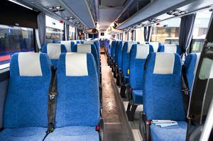 De nya bussarna har 55 sittplatser med extra benutrymme.