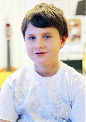 Alec Blomqvist går i klass tre, grupp gul och har tillsammans med sina 14 klasskamrater spelat in låtarna arg, rädd, ledsen och glad.