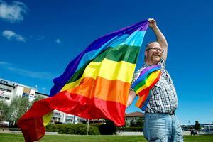 Torbjörn Karlsson är pridegeneral för Ånge pride.