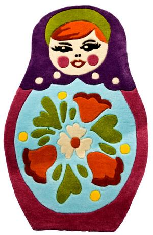 Annorlunda. Klart annorlunda är barnrumsmattan i form av en rysk babushka. Den finns i tre storlekar och tre olika färgsättningar. Priserna varierar från 690 kronor till 1 300 kronor. Mattan kommer från det danska företaget Babushka.