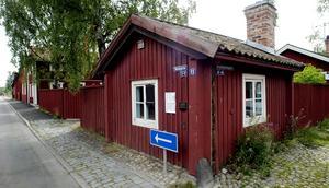Kalles. Stugan har ett enda rum på nio kvadratmeter. Här bodde gruvarbetaren Karl-Erik Hellström 1882 till 1910, med hustru och sex barn. Foto: Kjell Jansson