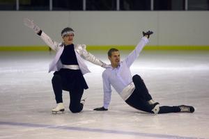 Randi Rösnäs och Magnus Wiklund hade stil men saknade något av farten på isen.