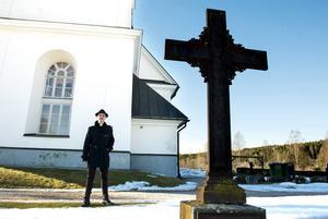 Andreas Sundström verkar i en tid där begravning är en vanlig orsak att besöka kyrkan och där ensamheten kan vara stor. Men Andreas vittnar om en livaktig församling i Stöde.