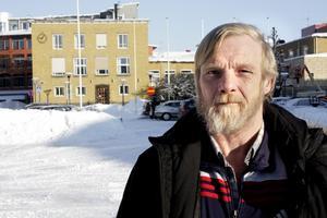 Bostadslöse Kurt Andersson har fått avslag från socialförvaltningen när han ville få andrahandskontrakt på en lägenhet. Bild: JAN WIJK