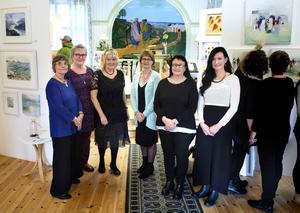 Rosie Nygren, Viviane Nyman, Borghild Grahn, Elisabeth Nygren, Lena Sellstedt och Katharina Pettersson ställer ut under helgen.