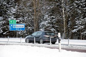 Trafikverket ska ha fått brev innan E4 byggdes, där en trollgumma varnade för att bygga en väg precis vid Skarvberget där trollen bor.
