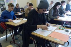 Omkring 55 000 provdeltagare runt om i Sverige försökte, men bara 57 lyckades få 2.00 på höstens upplaga av högskoleprovet.