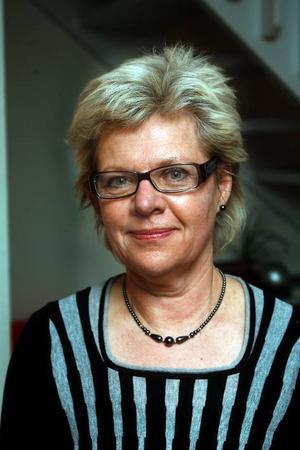 Kommunchef Kerstin Oremark bereder mark för att slussa in tre nyckeltjänstemän i organisationen.