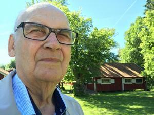 Socialdemokraten Hans Johansson har ägnat ett helt liv åt politiken och missbruksfrågorna. Nu ifrågasätter han att det är så tyst.