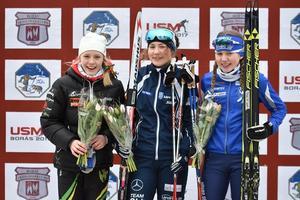 Elina Franzén på prispallen som segrare i Borås.