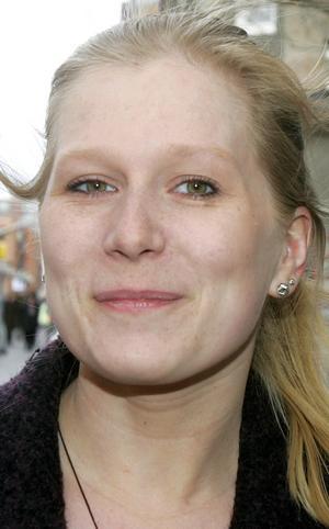 Linn Holmgren, 21 år, Östersund:   – Nej. Det är ju en röd dag så man passar på att vara ledig. Jag har aldrig demonstrerat. Skulle jag vara upprörd över något och engagerad skulle jag väl demonstrera.