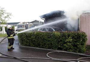 Brandmännens arbete fick inriktas på eftersläckning och bevakning så branden inte spred sig.