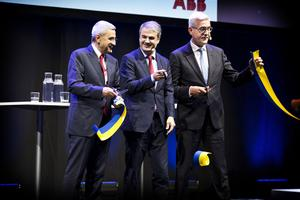 ABB:s teknologichef Bazmi Husain, energiministern Ibrahim Baylan (S) och ABB:s koncernchef Ulrich Spiesshofer invigde SynerLeap i början av september.