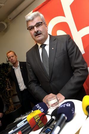 Börjar på nytt. Redan efter ett halvår behöver Håkan Juholt en omstart som ledare för Socialdemokraterna.foto: Scanpix