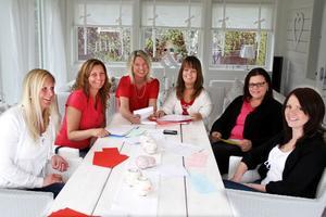 Åsa Johansson, Anna Johansson, Susanne Vanberg, Helen Jonsäll, Carina Forsblom och Ulrica Persson ordnar matstafett i Edsbyn för tredje året i rad.