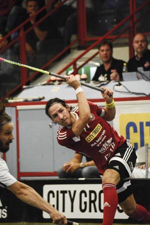 Robin Nilsberth drar iväg ett skott hemma i Fyrishov. I dag är han tillbaka i Sporthallen.