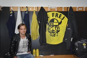 Klubbloggan inne i omklädningsrummet har spelarna målat själva.