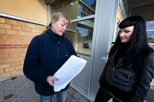 Föräldrarna Minna Eriksson och Jacqueline Ethier hoppas att politikerna lyssnar på protesterna.