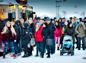 Busshållplatsen vid Våghustorget, en vanlig vardag i Örebro.Foto: Lennart Lundkvist