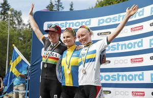 För bara några veckor sedan stod trion överst på SM-pallen. Från vänster: Alexandra Engen, Jenny Rissveds och Ida Jansson.
