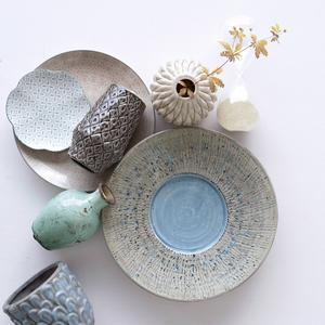 Keramik och dova pasteller från Ellos.