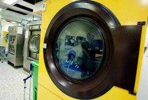 När andra branscher talar om kris och neddragningar gör Storsjö Tvätt i Brunflo nyinvesteringar och anställer mer folk. De senaste två åren har omsättningen gått rakt uppåt och ytterligare kunder kommer med förfrågningar.
