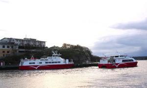 Kosterbåten avgår i hamnen.Foto: Andreas Strömberg