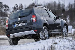 Bildtext 1-3: Kombinationen fyrhjulsdrift och lågt pris är lockande. Men säkerheten i Dacia Duster är under all kritik - den fick endast tre av fem stjärnor i krocktestet Euro Ncap.Foto: Anders Wiklund/TT