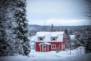 På väg mot Sönnasjön. Efter vägen det ställe där jag tror att Blex-Anners en gång bodde.