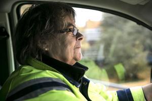 I 30 år har hon kört ut posten på Fors kartongbruk, först med cykel, nu med elbil