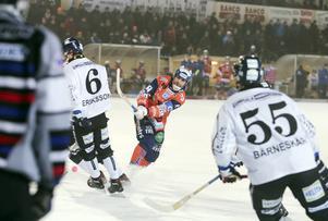 Kanske kan, eller måste, Andreas Westh och Bollnäs ta hörnvägen till de stora matcherna?