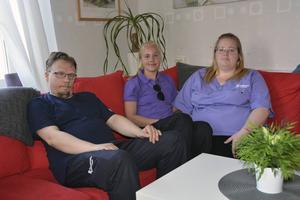 Björn Olsson, undersköterska, Kajsa Forsberg, vårdbiträde och Sabina Sundkvist, vårdbiträde har alla hunnit köpa ut kläder men många kollegor hann inte innan stoppet.