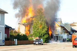 Branden startade tidigt på lördagsmorgonen och hade ett mycket snabbt förlopp.