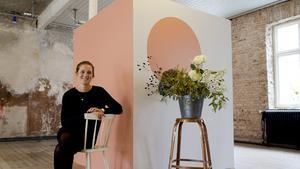 Våga. Vill du göra hemmet mera personligt? Addera färg! Nu går trenden åt att vi överger de kritvita hemmen, tror Johanna Bradford, grundare av inspirationssajten Lovelylife.se.