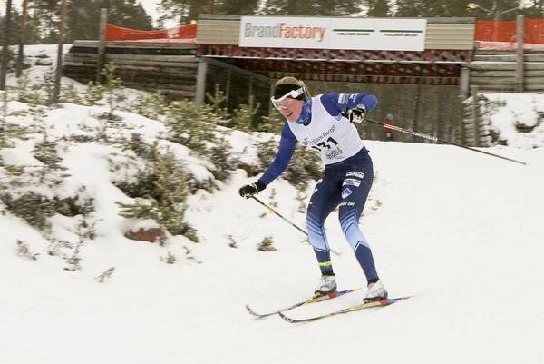 Ellionore Bäckman från Hede SK tog en fin fjärdeplacering i D19-20. Här i prologen.