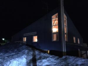 För den som behöver stöd har ett kriscenter upprättats på församlingshemmet i Nälden.