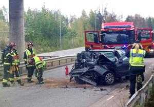 En man i 70-årsåldern avled i en singelolycka i Sandviken i går.