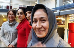 Nadia Tizabi, Zahra Hajireza, Zarifeh Naderi och Sadiqa Rasuli pluggar svenska på cfl och önskar innerligt att världens kvinnor kan fira Internationella kvinnodagen.