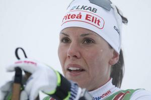 Charlotte Kalla har fått en kanonstart på skidsäsongen och nu går nog inte ens de bästa norskorna säkra.
