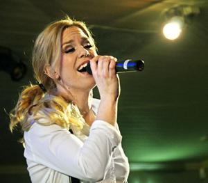Frida Sollerhag i ett solonummer.