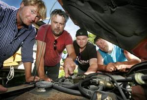 Ove Gunnarsson, Svenne Åström, Pär Åström och Danne Sandström är alla motorfantaster och ifrågasätter Naturvårdsverkets utredning. – De måste sätta sig in i vårt perspektiv för att förstå kulturen, säger Per Åström.