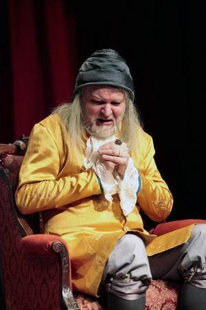 Anders Hedén gör den inbilske Argan i Molières klassiska pjäs.