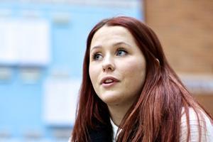 Linnéa Johnsson har bekanta från sin hemstad som funderat på att söka till Högskolan Dalarnas idrottsinriktning inom mediekommunikationsprogrammet.