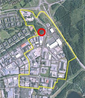 Mitt emot Elgiganten, i direkt anslutning till Hagvägen, nedanför djursjukhuset och förskolan Mosippan (vid den röda ringen på kartan) kan det bli mer detaljhandel.