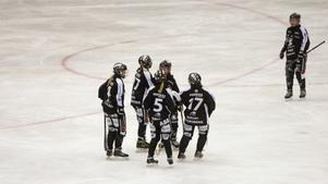 SAIK firar ett av sina fyra mål mot Söråker.